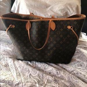 Women s Old Louis Vuitton Bags on Poshmark 7d02766ef1a68